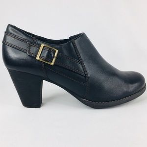 Clark Bendable's Side Zip Ankle Booties Size 9.5